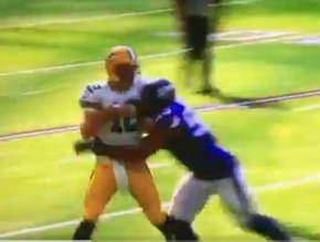 Aaron Rodgers leaves game with broken collarbone (watch)