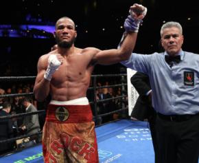 Julian Williams defeats Smith by Unanimous Decision(photos)
